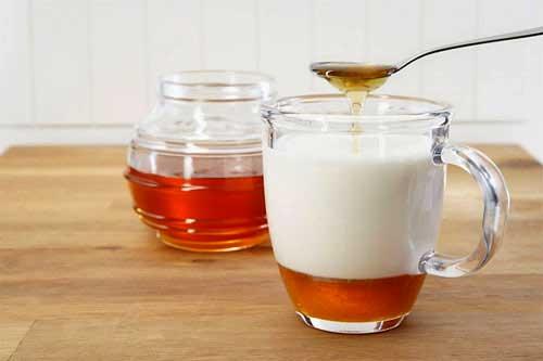 sữa với mật ong
